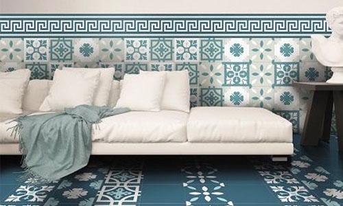 Phòng khách nổi bật hơn khi được kết hợp giữa gạch bông và gạch nền xanh lam