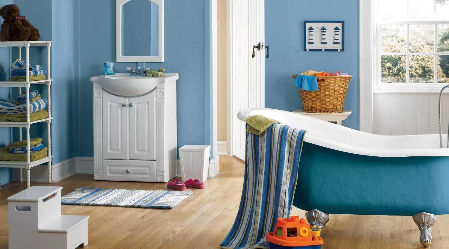 Phòng tắm màu xanh lam