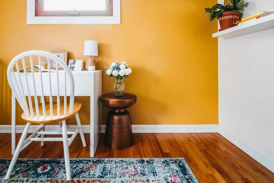 phòng khách sơn màu rực rỡ