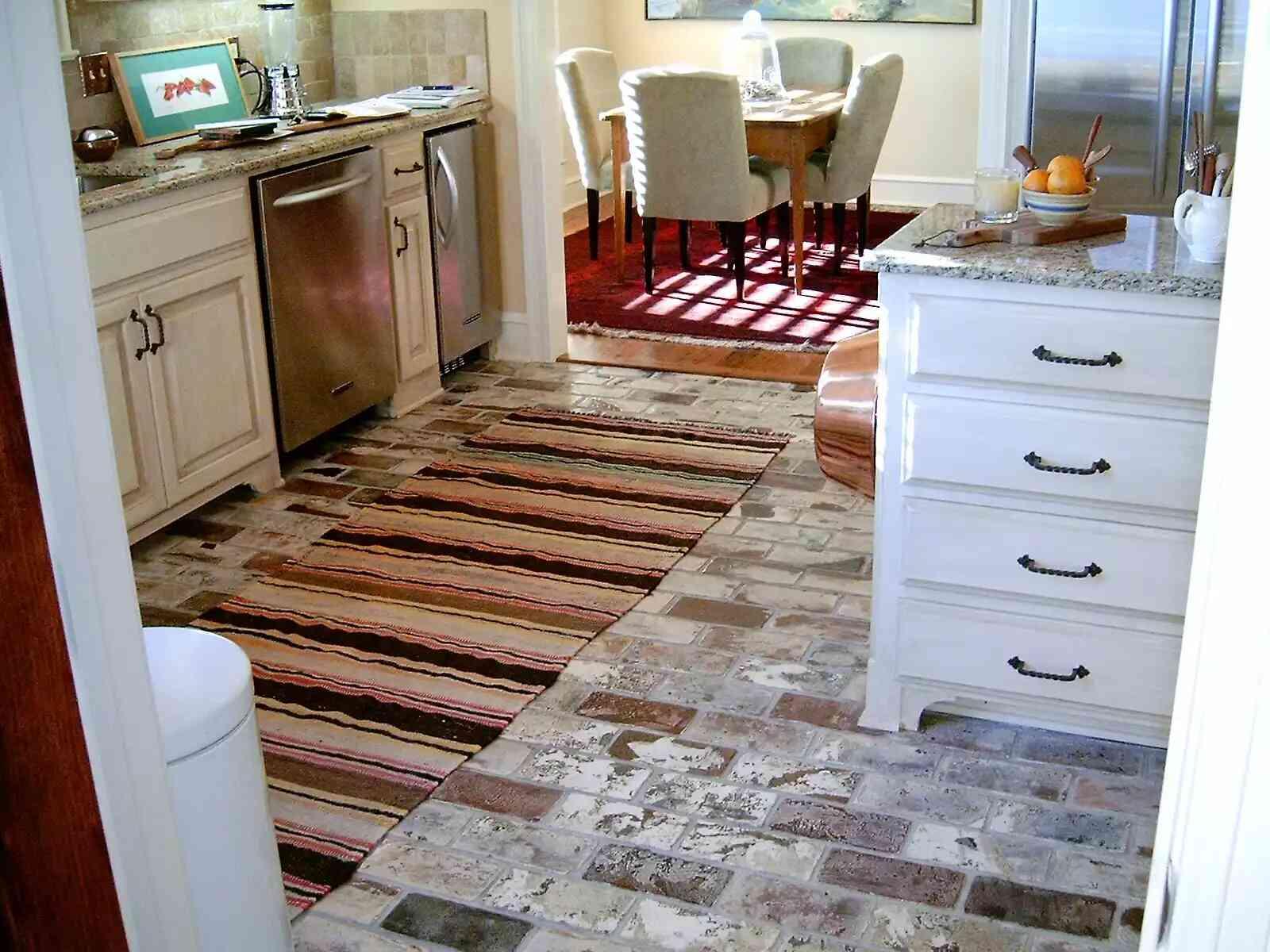 gạch men lát nền phòng bếp