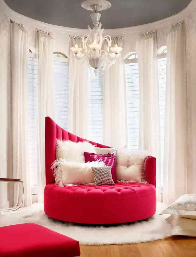 giường tròn màu đỏ đẹp