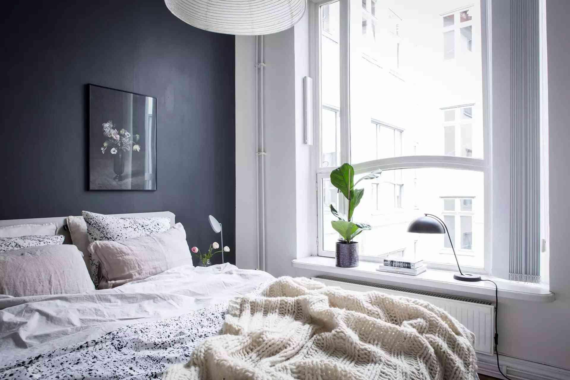 trang trí phòng ngủ màu đen