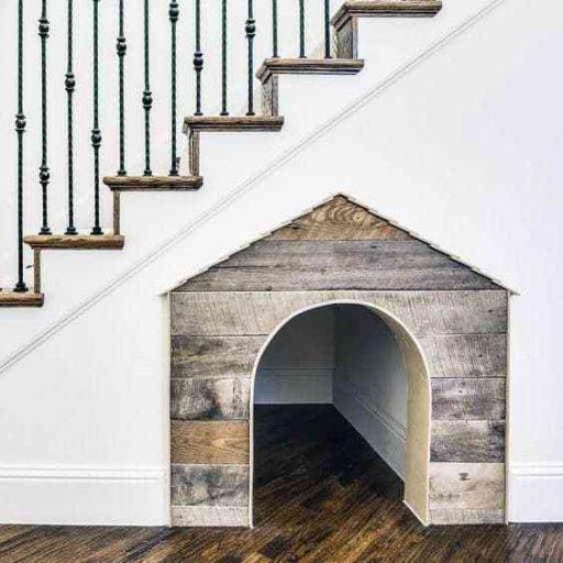 Ý tưởng về chuồng thú cưng dưới cầu thang