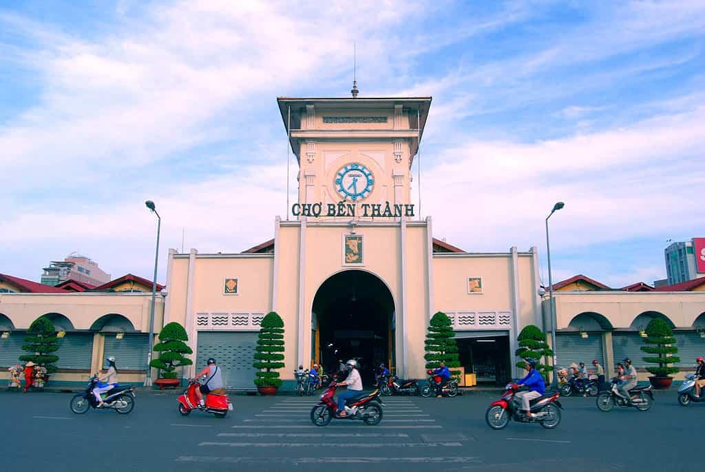 Chợ Bến Thành - TP.HCM sơn tison