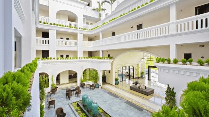 Khách sạn Lasenta Boutique Hotel ở Hội An sơn tison paint